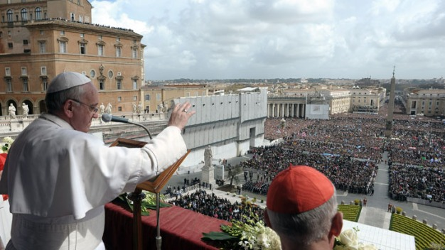Pope Calls for Peace in First Easter Sunday Mass