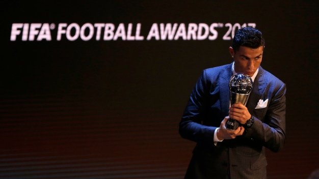 Ronaldo Joins Messi as 5-Time Winner of FIFA Player Award