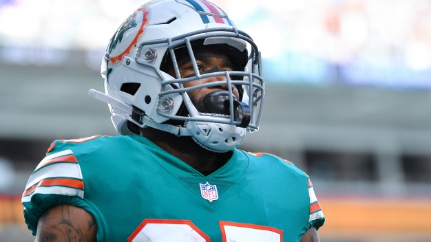 CB Howard Agrees to $76.5 Million, 5-Year Deal With Dolphins