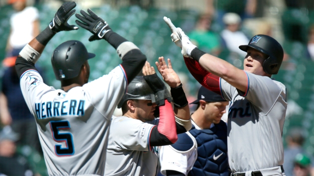 Cooper Hits Slam in 9th, Marlins Top Tigers for 6th Win in Row