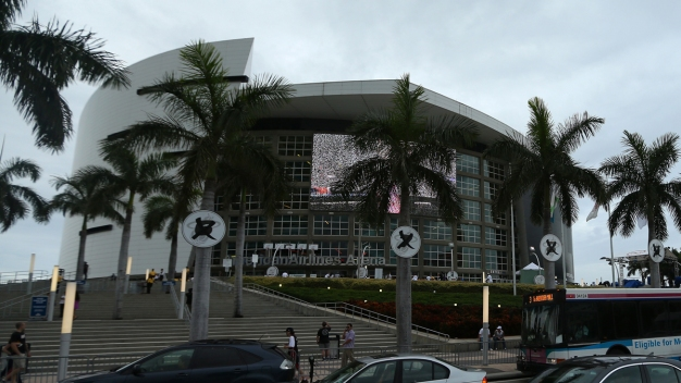 Heat Reach Out to Miami-Dade Officials as Naming Deal Looms