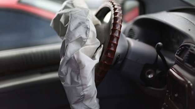 Feds Say Air Bag Parts Maker is Stonewalling Crash Probe