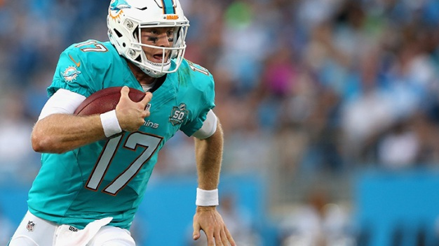 Tannehill Solid in Dolphins Loss to Panthers