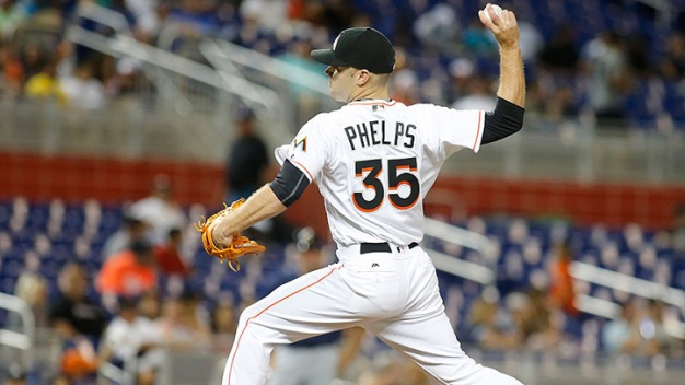 Marlins Open Big Series With Loss to Mets