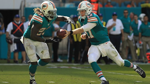 Jay Ajayi Leads Dolphins to Second Straight Win