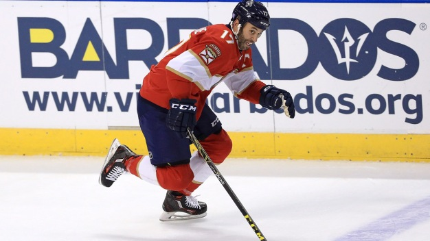 Panthers Beat Flyers 3-2 for 4th Straight Win
