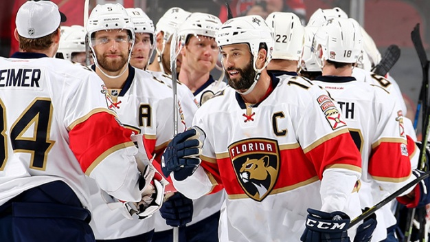Panthers Use Seven Goals to Defeat Predators