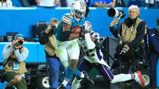 Youngsters Drake, Howard Spark Dolphins Surge