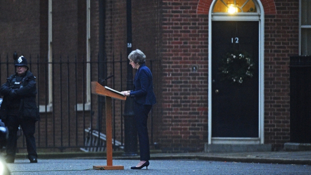 UK Disarray: May to Face No-Confidence Vote by Lawmakers