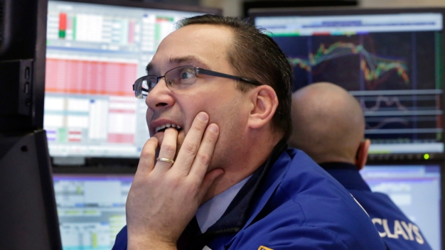 U.S. Stocks Finish Tough Month With Losses