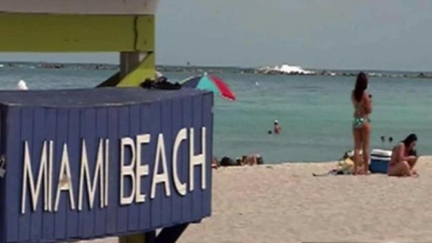Miami Beach Votes to Close Sand Access Earlier