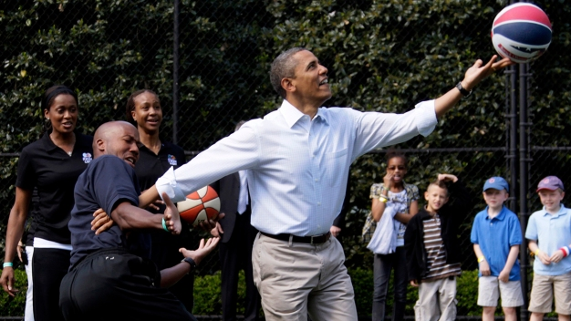 Obama's High School Basketball Jersey Sells for $120,000