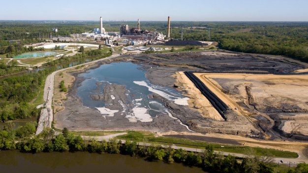 US Coal Ash Pollution Rules Eased After Industry Balks