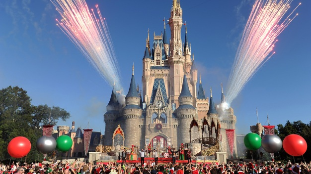 Disney World Smoking Ban, New Stroller Rules Now In Effect
