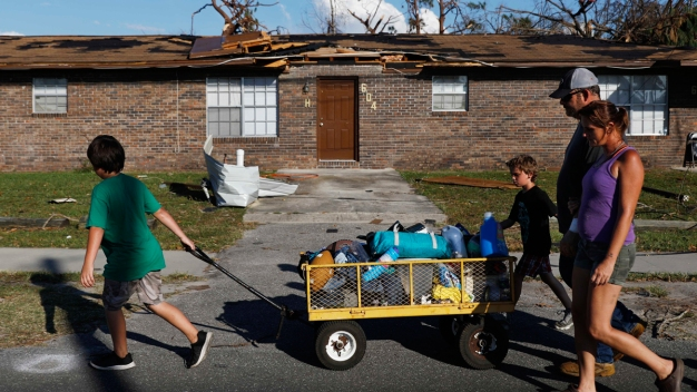 In Florida, Families Seeking the Missing Amid Storm Damage