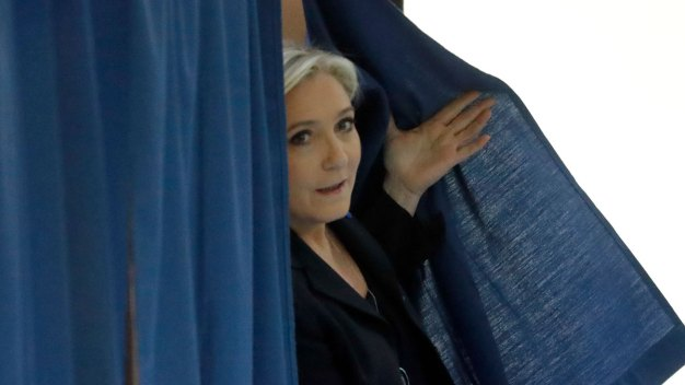 Macron, Le Pen to Face One Another in French Runoff