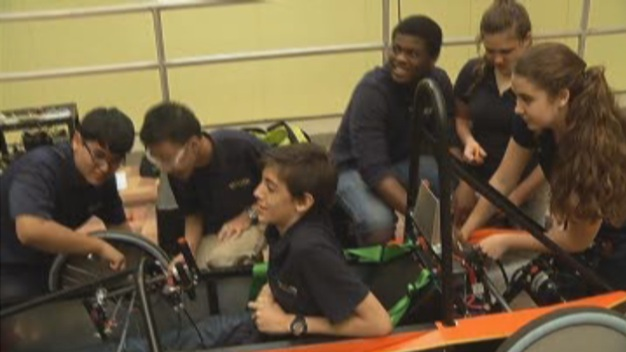 MAST @ FIU Students Prep For Miami ePrix Race