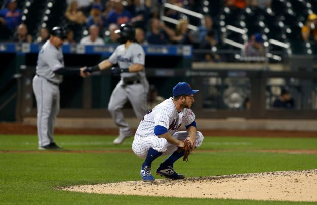 Marlins Put Dent in Playoff Plans of Mets With Big Win