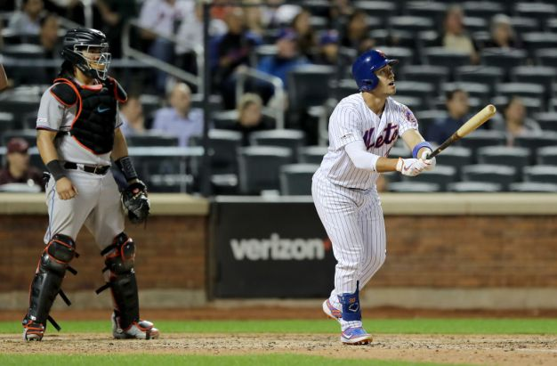 Mets Use Late Rally to Beat Miami Marlins in Extra Innings