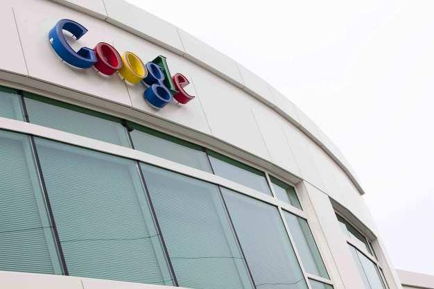 Google Halts Expansion Plans For Fiber; Chief Steps Down