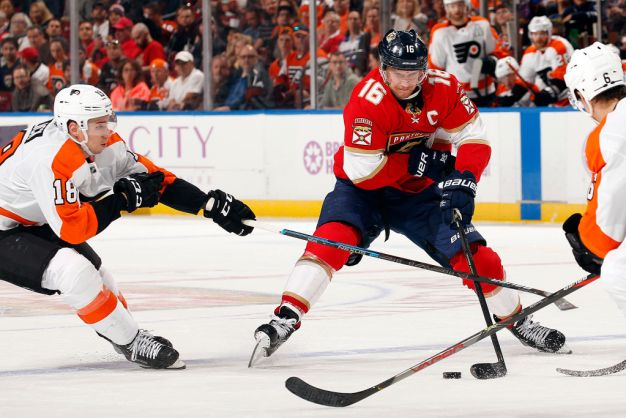 Barkov, Connolly Lead Florida Panthers Over Philadelphia Flyers