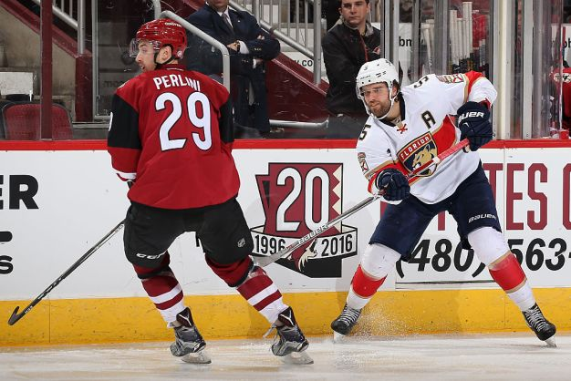 Panthers Use Third Period Rally to Defeat Arizona