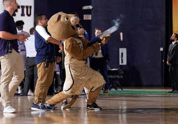 Andrews, Lovett Lift FIU Basketball Over Cleveland State