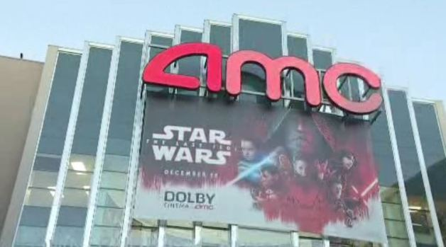 [LA-NATL] 'Star Wars' Fans Enraged When New Film Starts Without Audio