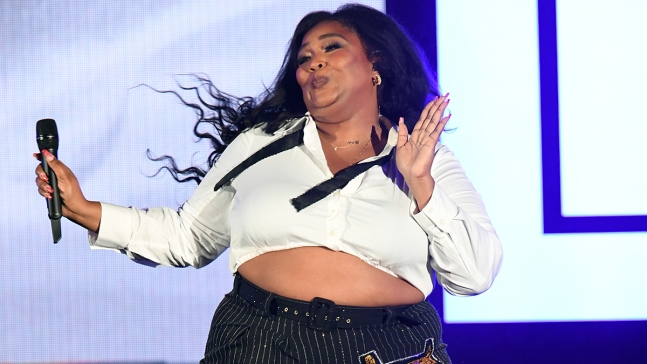 Lizzo Extends Writing Credits for Her Hit 'Truth Hurts'