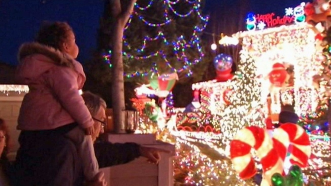 Vietnam Vet Pulling Plug on Holiday Light Display