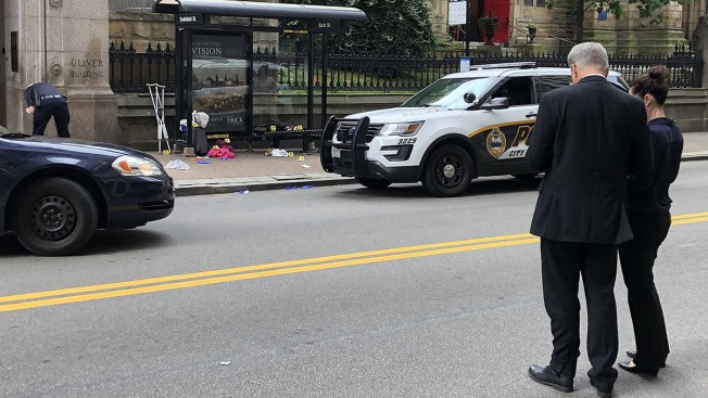 2 Women Stabbed, 1 Fatally, in Front of Cop at Pittsburgh Bus Stop