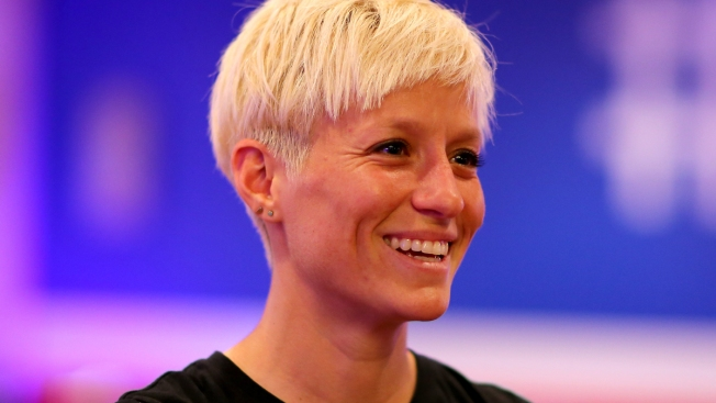 Rapinoe Kneels During Anthem Before US Match Vs. Thailand