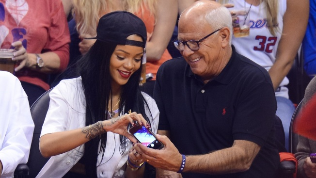 Rihanna Donates $25,000 to LAPD After Selfie Fail During Clippers Game