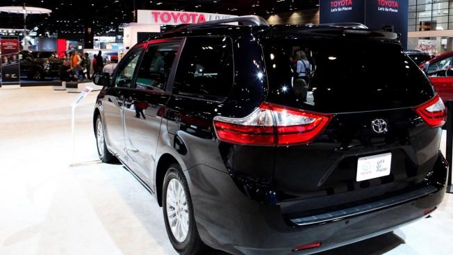 Toyota Announces Recall of 744,000 Sienna Minivans