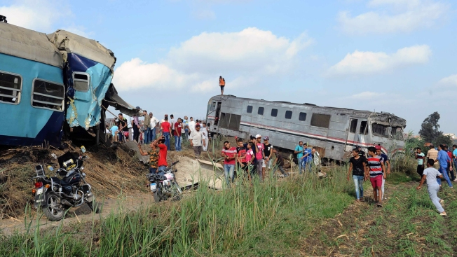 Train Collision in Northern Egypt Kills 43; 122 Injured