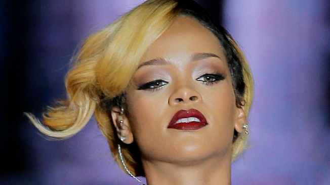Rihanna's Home Burglarized While Singer Was in Australia, Suspect Still on the Loose