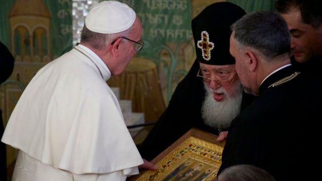 Orthodox Delegation Stays Away From Pope's Mass in Georgia