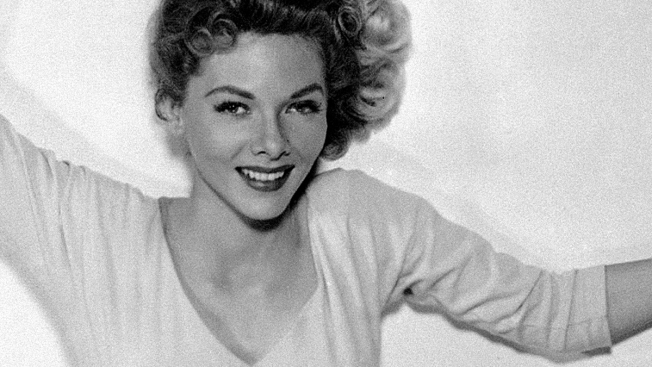 """""""Oklahoma!"""" Actress Barbara Lawrence Dies at 83"""