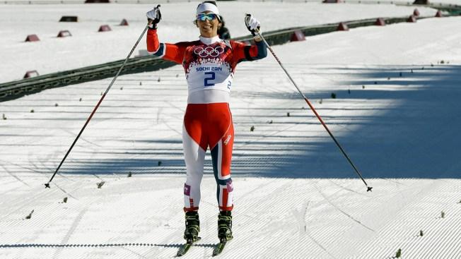 "Norway's Marit Bjoergen Wins ""Emotional"" Women's 15K Skiathlon at Sochi Games"