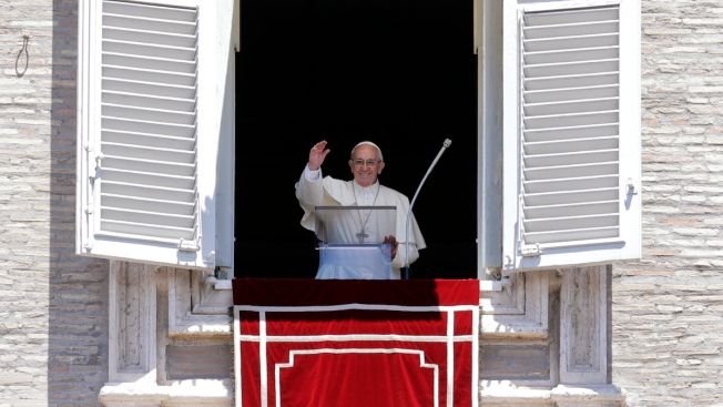 Pope: Learning From Refugees' Hopes and Pain Dissolves Fear