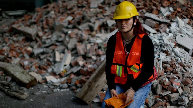 How Mexican Women Are Showing Resolve in Earthquake's Aftermath