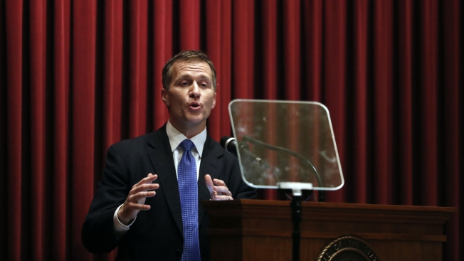 Duke alum and Missouri Governor Eric Greitens faces investigation into extramarital affiar