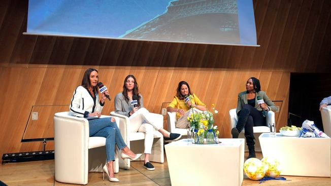 Venus Williams, Other Female Athletes Talk Gender Pay Equality at Paris Forum