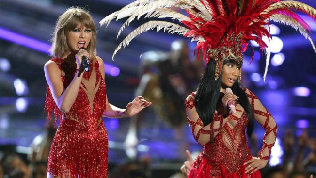 What Feud? Taylor Swift Joins Nicki Minaj on Stage for Surprise Collaboration at 2015 MTV VMAs