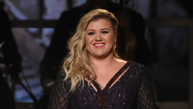 Kelly Clarkson Gives Birth to 2nd Son