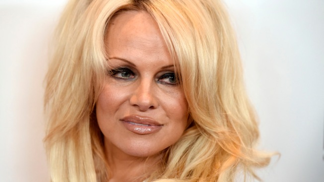 Pamela Anderson Says She's Cured of Hepatitis C, Celebrates by Sharing a Nude Photo