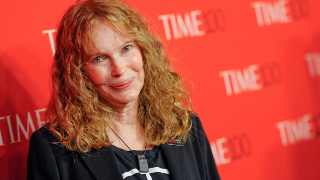 Mia Farrow Tweets Address of Dentist Who Killed Lion