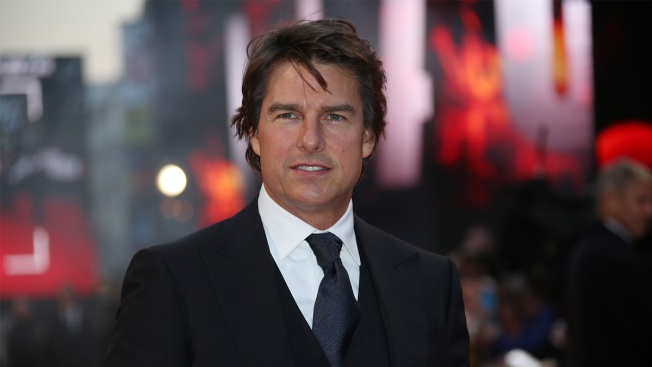 Watch Tom Cruise confirm that 'Top Gun 2' is finally happening