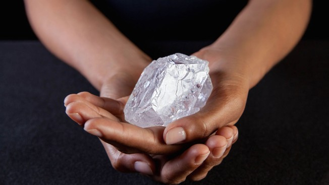 Tennis Ball-sized Diamond Expected to Sell for $90 Million