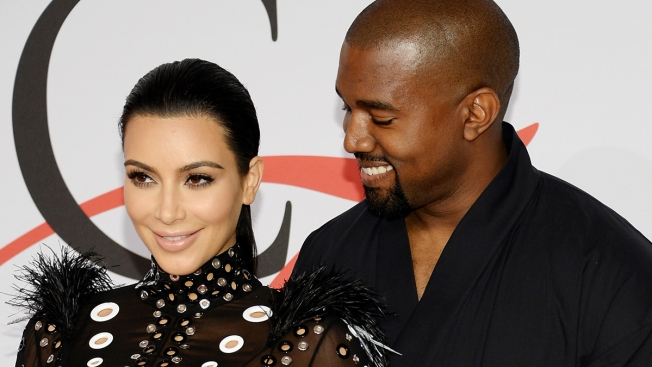 Kanye West Photobombs Kim Kardashian and Hillary Clinton